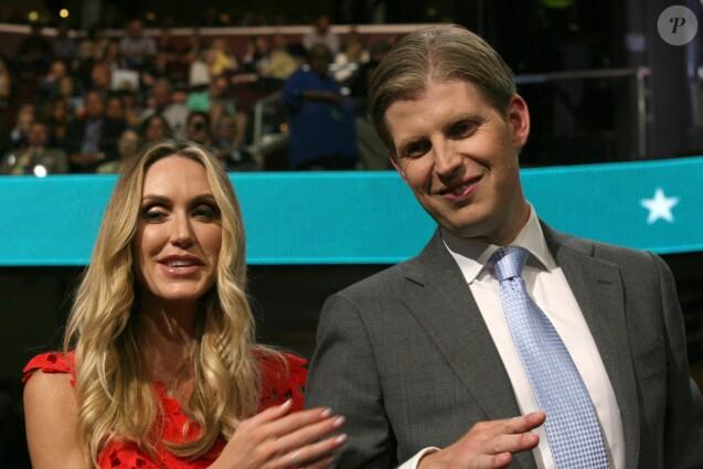 Eric Trump (fils de Donald Trump) et sa femme Lara Yunaska lors du 2ème jour de la convention républicaine à Cleveland, le 19 juillet 2016.