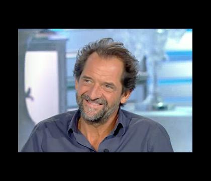 """Stéphane de Groodt, enfant """"limite obèse, dyslexique et cancre"""" : Il se confie..."""