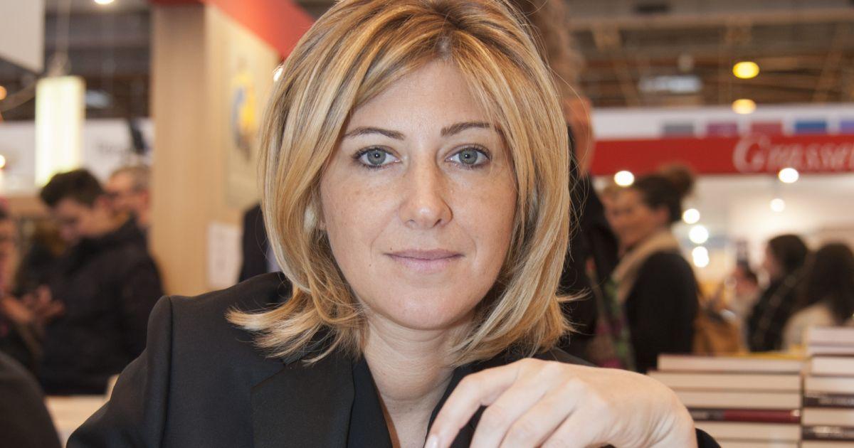 Amanda sthers pour les promesses le 33e salon du livre for Porte de versailles salon des expositions
