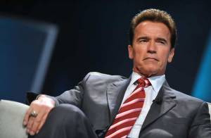 Quand Arnold Schwarzenegger était un travesti... Regardez !