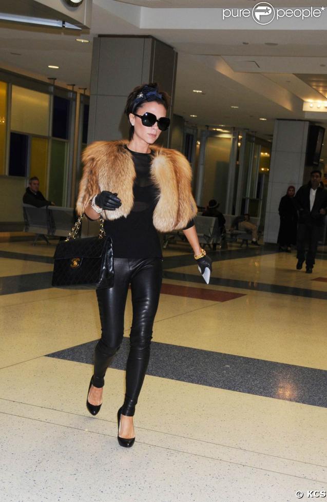 Victoria Beckham arrive à New York. 14/02/09