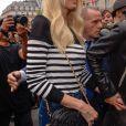 Claudia Schiffer assiste au défilé Balmain, collection printemps-été 2018, au Palais Galliera. Paris, le 28 septembre 2017.