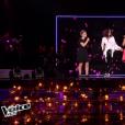 """Jenifer et ses deux Talents Amandine et Leeloo lors de la finale de """"The Voice Kids 4"""" (TF1), samedi 30 septembre 2017."""