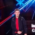 """M. Pokora sur scène avec ses finalistes Betyssam et Antoine lors de la finale de """"The Voice Kids 4"""" (TF1), samedi 30 septembre 2017."""