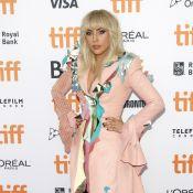 Lady Gaga : Soutenue par son amoureux un soir de deuil