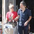Lady Gaga et son compagnon Christian Carino à Malibu. Le 2 juillet 2017.