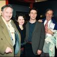 Victor Lanoux, sa fille Stéphanie Marie, Jean Rochefort et son fils Julien - Générale de la pièce Mort d'un commis voyageur en 1996