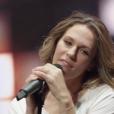 """""""Image extraite du clip La Vie est belle de Lorie Pester - octobre 2017."""""""