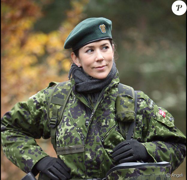 Mary de Danemark a fini sa formation : la princesse est désormais... lieutenant !
