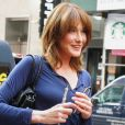 "Carla Bruni quitte l'émission ""Today Show"" à New York le 10 octobre 2017."
