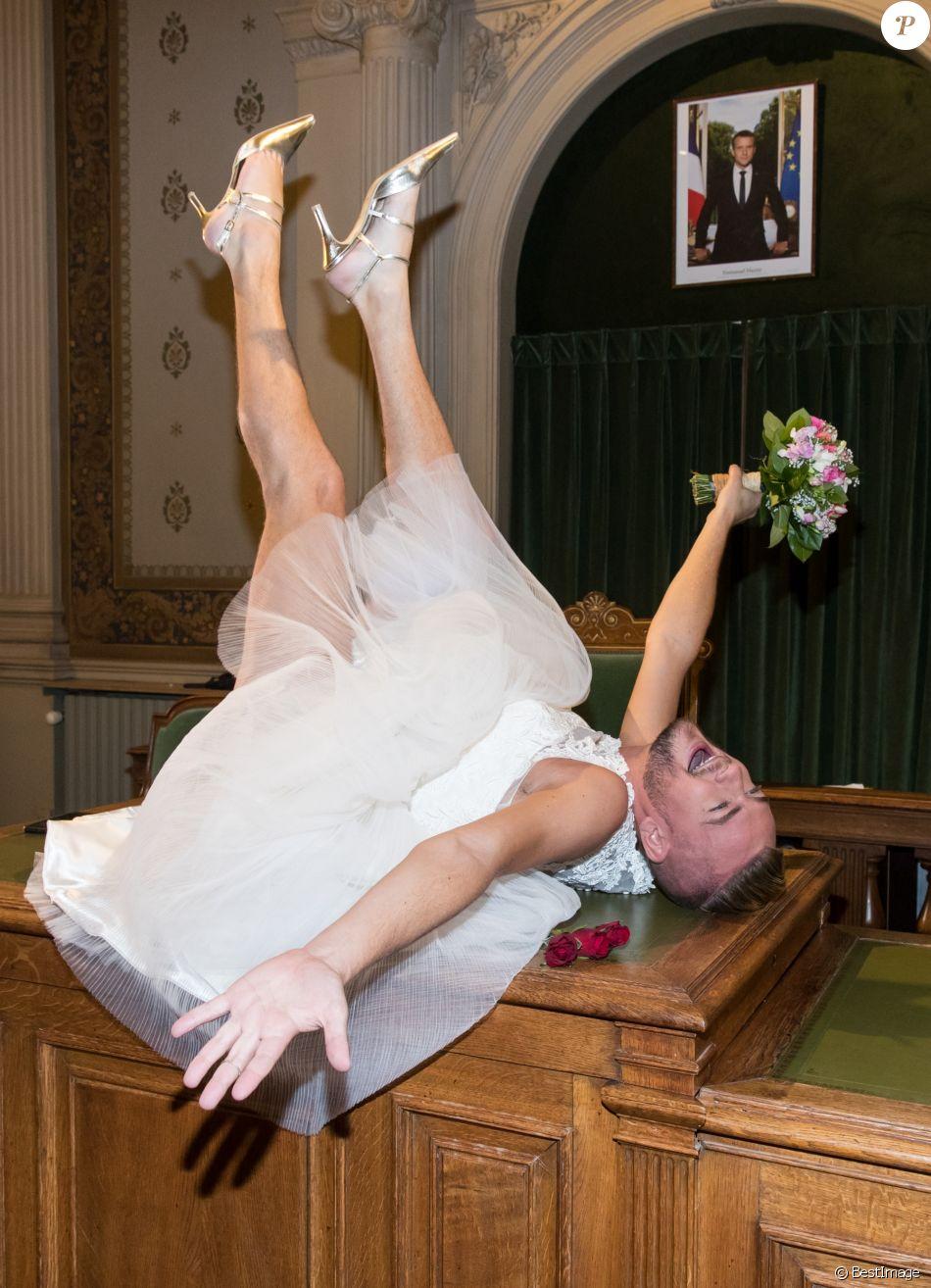 Jeremstar marié  Une cérémonie déjantée devant Raquel Garrido et Agathe  Auproux