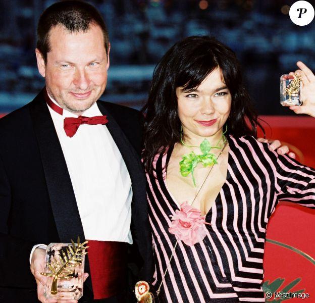 """Lars von trier et Björk, primés à Cannes pour """"Dancer in the Dark"""", en mai 2000."""