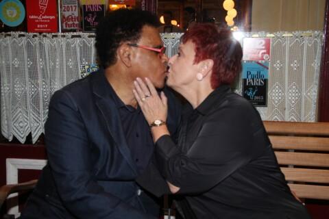 Fabienne Thibeault s'offre un dîner romantique avec son mari