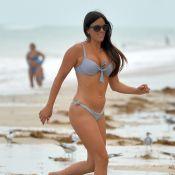 Claudia Romani : Canon en bikini, la star fan de foot se prélasse