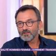 """Frédéric Lopez raconte, sur le plateau de """"C à vous"""" (France 5) le 18 octobre 2017, le jour où il a """"failli tuer"""" un homme qui battait une femme."""