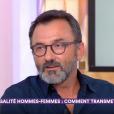 """Frédéric Lopez, invité sur le plateau de """"C à vous"""" (France 5) mercredi 18 octobre 2017, raconte le jour où il a failli """"tuer"""" un homme qui battait sa compagne devant ses yeux."""