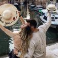 Emile Nef Naf à Venise avec son compagnon Bruno Cerella. Instagram, le 19 octobre 2017.