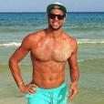 Bruno Cerella à Playa del Carmen avec sa nouvelle compagne Emilie Nef Naf, le 14 juillet 2016.
