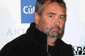 Luc Besson pousse son coup de gueule contre le distributeur de Banlieue 13 U... en les accusant de racisme et de discrimination ! Ecoutez !