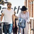 Exclusif - Blake Lively et son mari Ryan Reynolds se baladent en amoureux dans les rues de New York, le 18 mai 2017