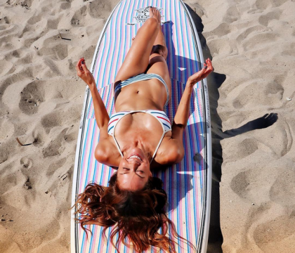 Brooke Burke, 46 ans et canon en bikini : Elle dévoile son secret