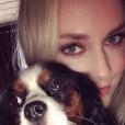 """Lindsey Vonn avec sa chienne Lucy. Photo Instagram novembre 2017."""