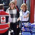 La reine Letizia d'Espagne rencontrant des membres de la Croix-Rouge mexicaine à Mexico, le 13 novembre 2017, en marge de sa visite à l'occasion du World Cancer Leaders' Summit.