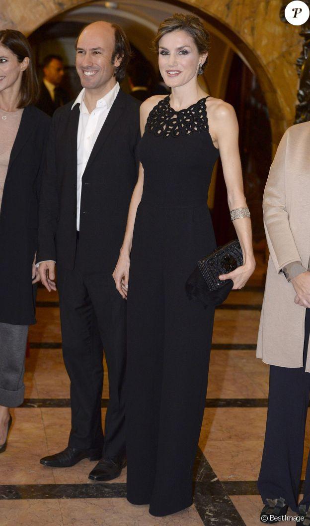 Letizia d'Espagne (en combinaison Felipe Varela) assistait le 22 octobre 2015, au Théâtre Jovellanos à Gijon, à un hommage rendu à Francis Ford Coppola en présence du cinéaste, lauréat du Prix Princesse des Asturies des Arts 2015.