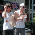 Exclusif - Ed Westwick et Jessica Szohr vont faire des courses a Hollywood, le 1er septembre 2013.