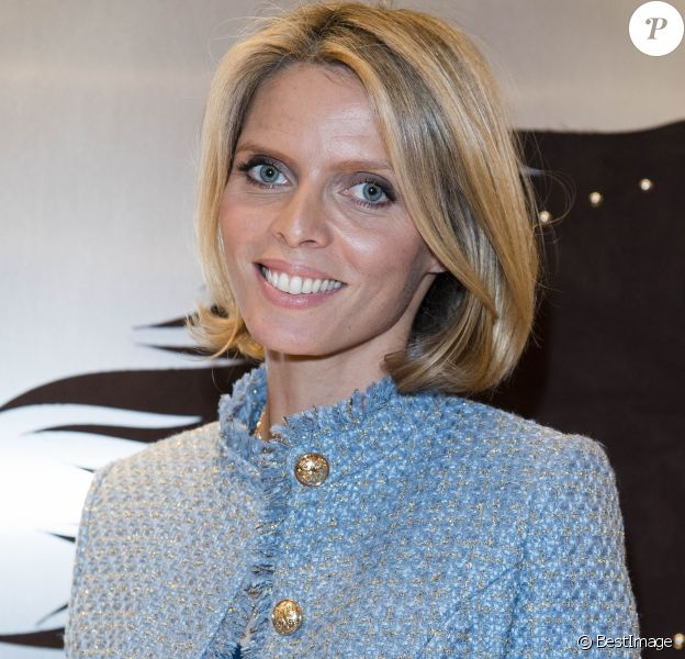 "Semi-exclusif - Sylvie Tellier - Tod's dévoile sa nouvelle collection de sacs à main Pop Up ""Sella"" dans sa boutique rue du Faubourg-Saint-Honoré à Paris, France, le 2 octobre 2017. © Pierre Perusseau/Bestimage"