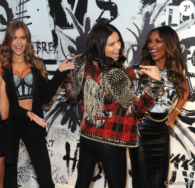 Romee Strijd, Josephine Skriver, Adriana Lima et Jasmine Tookes - Conférence de presse de lancement de la collection Victoria's Secret x BALMAIN à New York, le 28 novembre 2017.