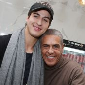 Samy Naceri, papa fier face à son magnifique fils Julian, 22 ans et restaurateur