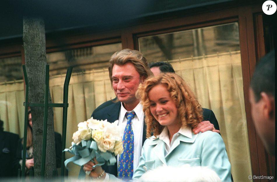 mariage de laeticia et johnny hallyday paris le 25 mars 1996 purepeople. Black Bedroom Furniture Sets. Home Design Ideas
