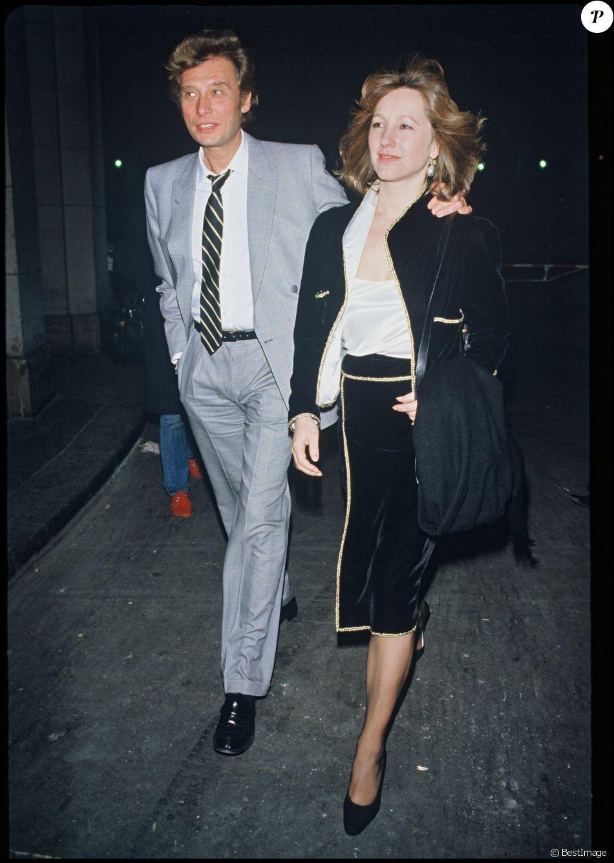 Johnny Hallyday et Nathalie Baye après la pièce de théâtre Désiré le 15  février 1984.