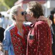Johnny Hallyday avec sa femme Laeticia, à Santa Monica, le 1er avril 2017.