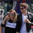 Hillary Duff et son compagnon Matthew Koma se baladent au Famer Market à Studio City. Les tourtereaux prennent du bon temps, le 15 octobre 2017 - Los Angeles