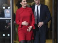 Kate Middleton divine en rouge : Ventre rond apparent avec le prince William