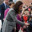 """Catherine Kate Middleton, duchesse de Cambridge (enceinte) arrive au """"Children's Global Media Summit"""" au centre de conventions de Manchester le 6 décembre 2017."""