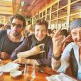 Guillaume Canet, Yodelice et Johnny Hallyday photographiés par Laeticia Hallyday à Malibu, début octobre 2016.