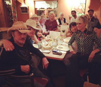 Johnny Hallyday, son dernier dîner avec sa bande de copains...