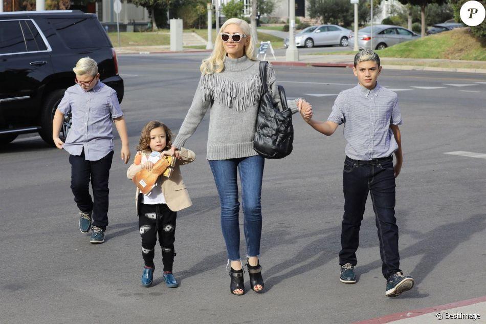 Gwen Stefani et ses enfants Kingston, Zuma et Apollo à Los Angeles, le 10 décembre 2017.