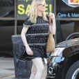 Kirsten Dunst est allée acheter un café à emporter chez Alfred Coffee and Kitchen à Studio City, le 12 décembre 2017