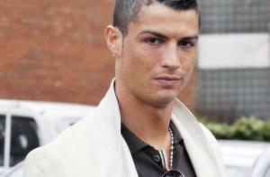 Cristiano Ronaldo toujours très élégant, mais son comportement est celui... d'un macho imbécile !