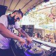 Kaleb Freitas, photo Instagram 2017. Le DJ brésilien a trouvé la mort le 17 décembre 2017 lors de l'effondrement de la scène sur laquelle il se produisait au festival Atmosphere, près de Porto Alegre.