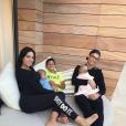 Georgina Rodriguez et Cristiano Ronaldo avec les jumeaux Mateo et Eva et Cristiano Jr., photo Instagram du 16 octobre 2017
