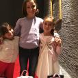 Jennifer Lauret et ses filles Anna (7 ans) et Nell (5 ans), nées de son union avec Patrick Sorrentino.