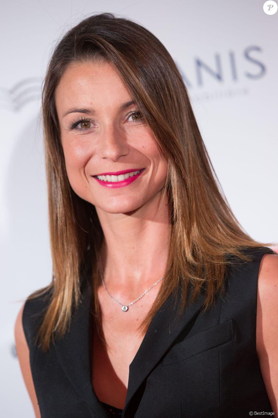"""Jennifer Lauret - Personnalités au gala """"Par Coeur"""" pour les 10 ans de l'association """"Cekedubonheur"""" au pavillon d'Armenonville à Paris. Le 24 septembre 2015"""