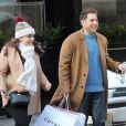 Exclusif - Jonah Hill fait du shopping avec sa soeur Beanie Feldstein dans le quartier de Soho à New York, le 11 décembre 2017. Le 22 décembre 2017, leur frère aîné Jordan Feldstein, manager très apprécié dans le monde de la musique, est mort à 40 ans d'une crise cardiaque.