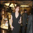 Emmanuelle Seigner, très élégante pour l'ouverture de la boutique Cavalli à Paris samedi soir
