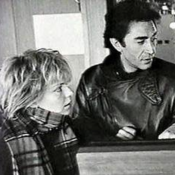 "France Gall : Son ami Richard Berry pense ""à la solitude de son fils Raphaël"""